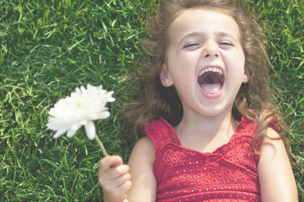 Sappiamo davvero cosa ci rende felici? Il potere della felicità cambierà noi e le nostre aziende