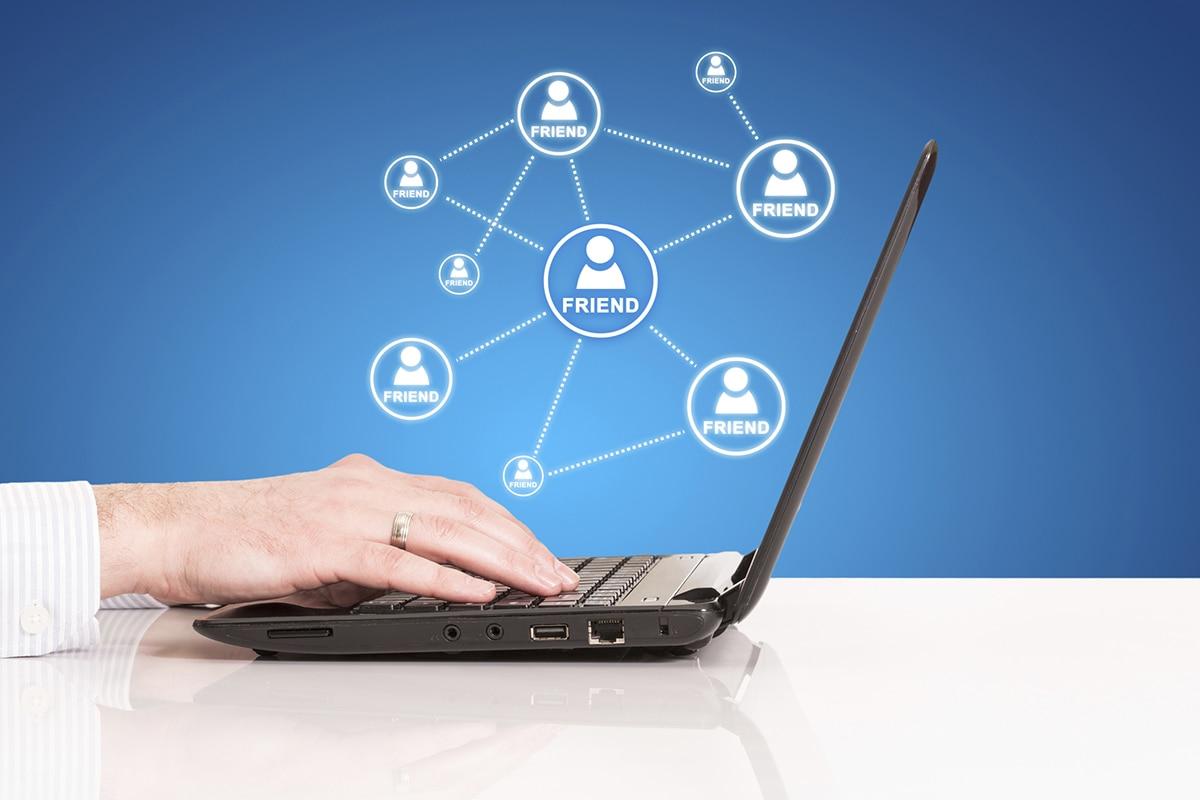 """I social media e le relazioni professionali. Cinque strategie efficaci per il """"corteggiamento"""" online"""