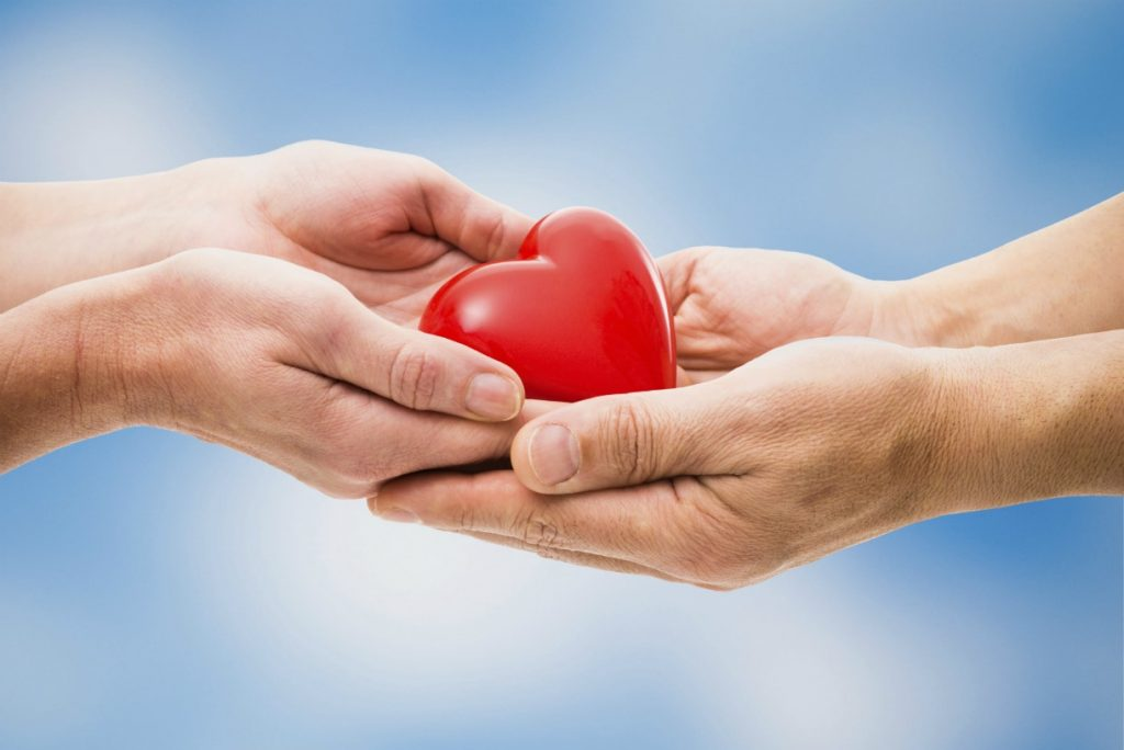 L'economia del dono alla base del fare comunità. Abbiamo bisogno di non sentirci più soli!