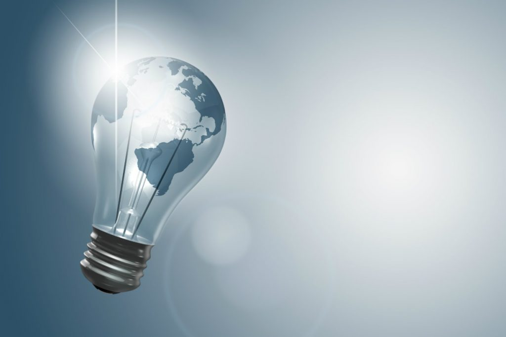 Cosa fanno insieme una lampadina solare e una bottiglia di Coca-Cola? Cambiano la vita di milioni di persone