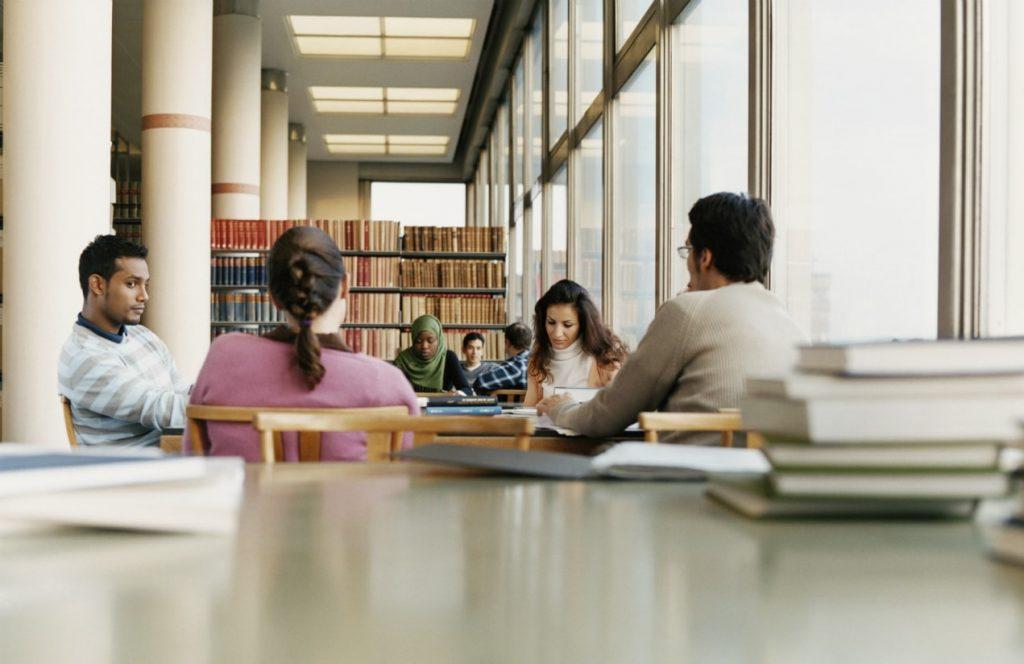 Imparare è social: perché non possiamo più insegnare coi metodi tradizionali, anche in azienda