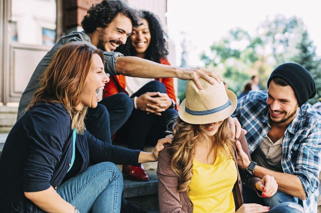 Costruiamo buone relazioni con gli altri, saremo più felici e la nostra salute ne beneficerà