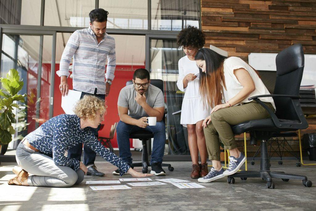 Vuoi legare i giovani al tuo brand? Parla di lavoro invece che di musica