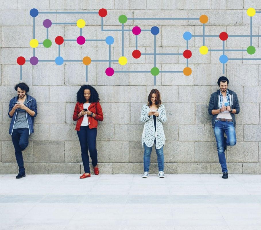 È finita l'era dei divi: oggi al centro del palcoscenico del marketing ci siamo tutti noi