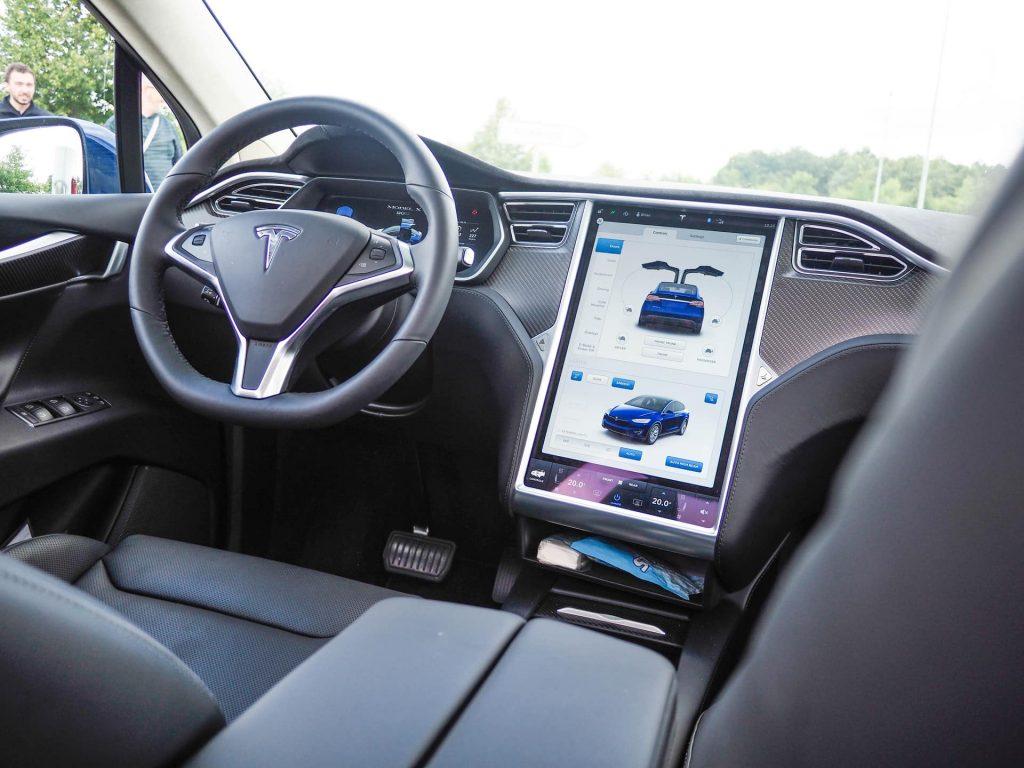 Tesla S Future, Day 2. Più di 2.500 km sulle strade dell'Europa più green
