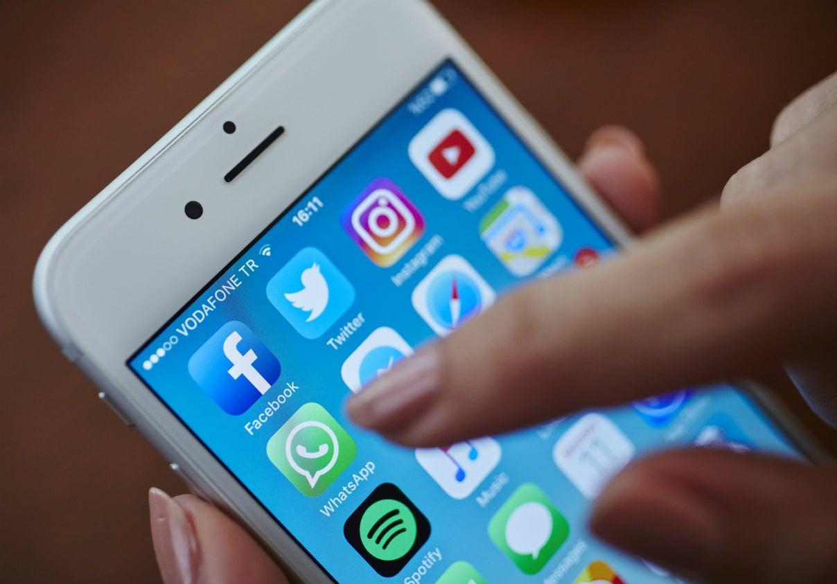 E se Whatsapp diventasse più usato di Facebook? C'è chi dice succederà entro 18 mesi