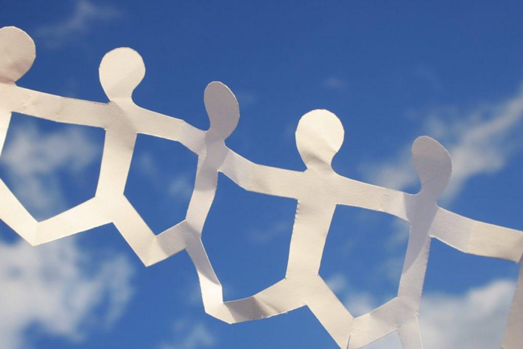 Social street: usciamo dal mondo digitale per ritrovare il senso di comunità