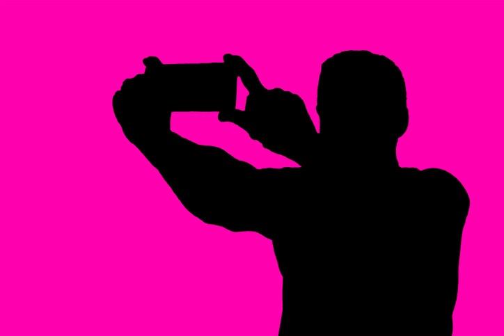 I tuoi selfie parlano di te anche a possibili datori di lavoro: fai attenzione a quanto comunichi