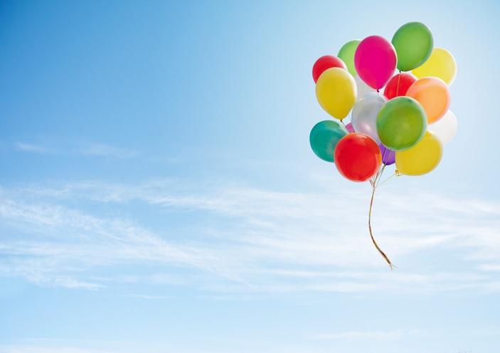 Bisognerebbe tentare di essere felici, non fosse altro che per dare l'esempio