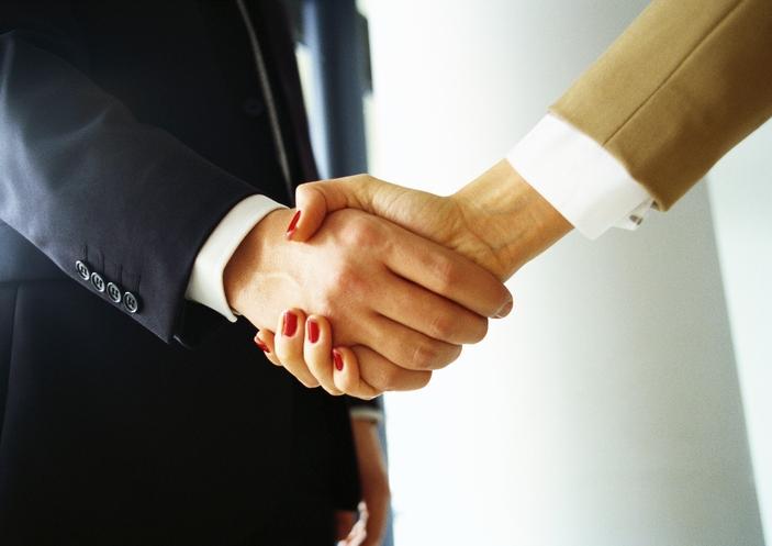 Ecco le domande che dovresti porti prima di accettare un'offerta di lavoro