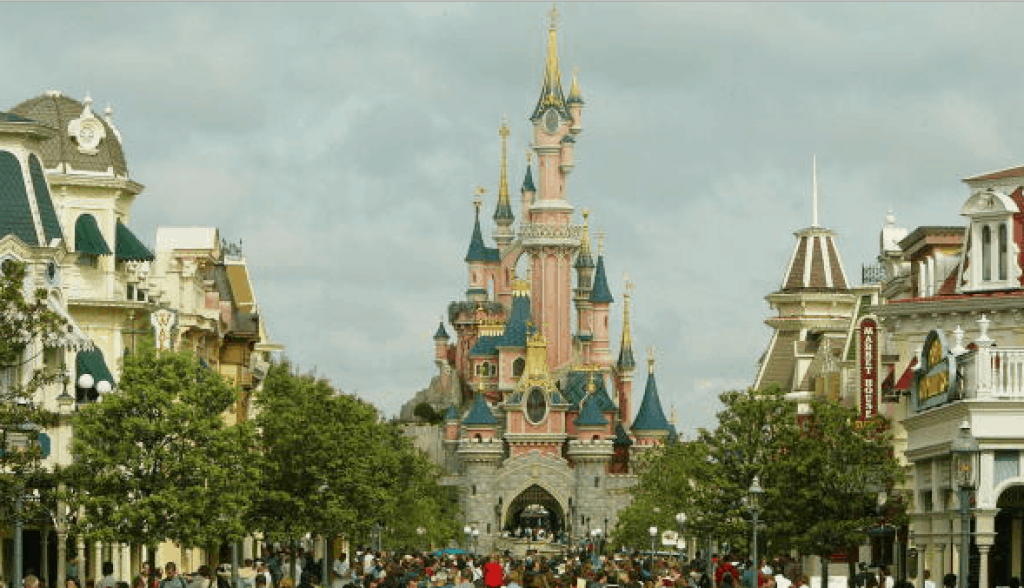 Costruisci il futuro: ecco la lezione del grande Walt Disney
