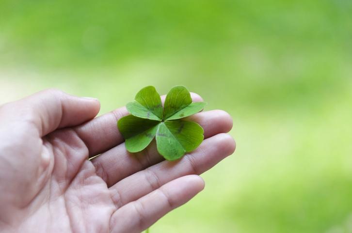 7 superstizioni a cui potremmo smettere di credere