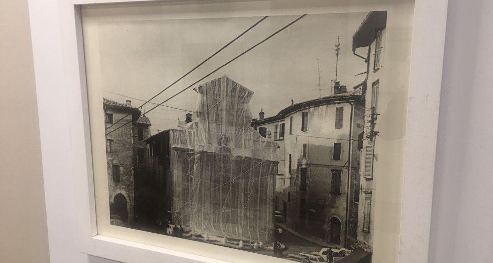 Centodieci è Arte, la libertà artistica di Christo in mostra a Brescia