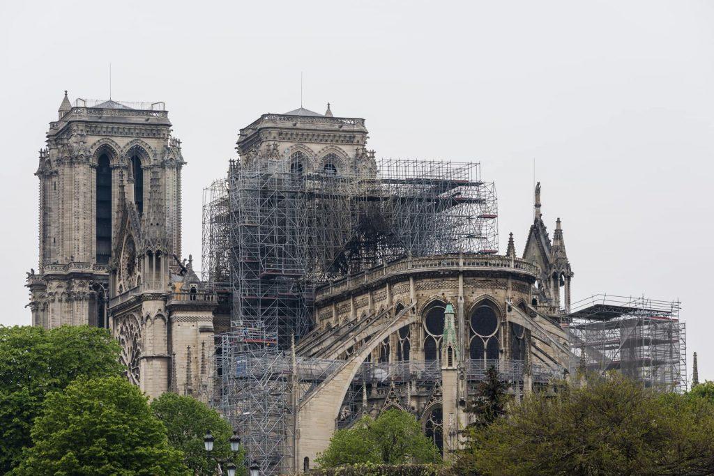 A Notre-Dame è bruciata arte, storia, identità o suggestione?
