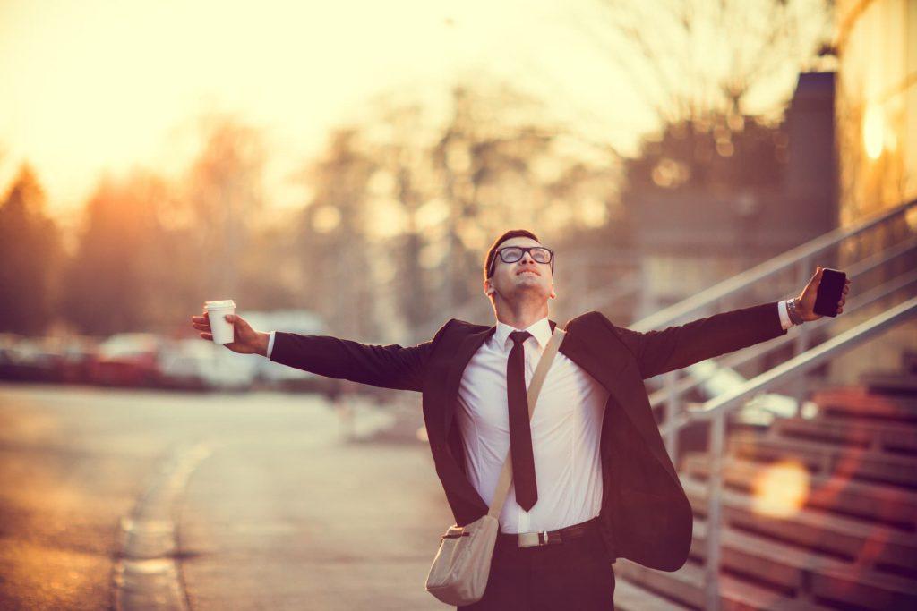 Più felici e produttivi se le ore di lavoro diminuiscono