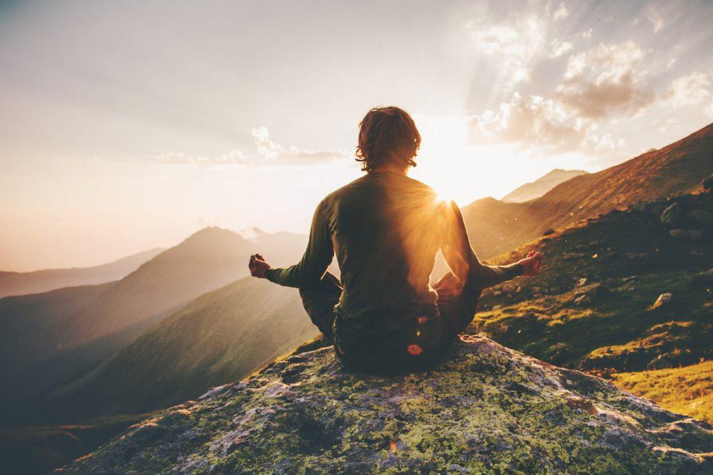 I 12 benefici scientifici della meditazione da provare ogni giorno