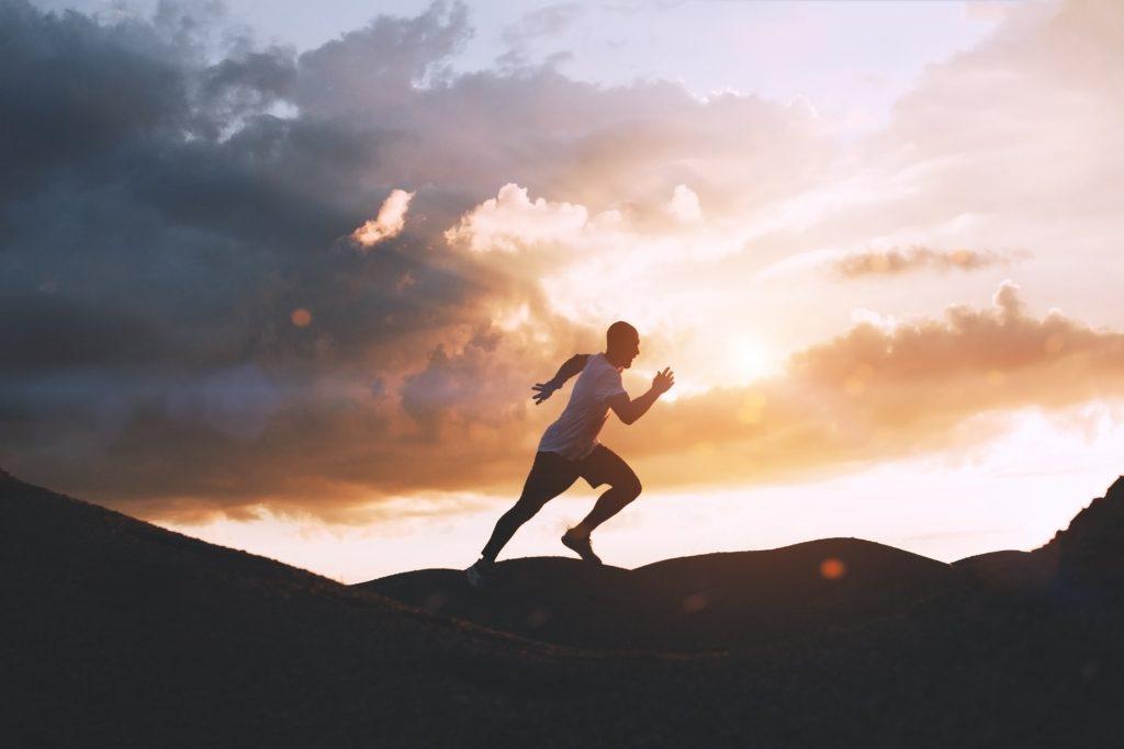 Come imparare a credere in sé stessi e mettere da parte l'orgoglio