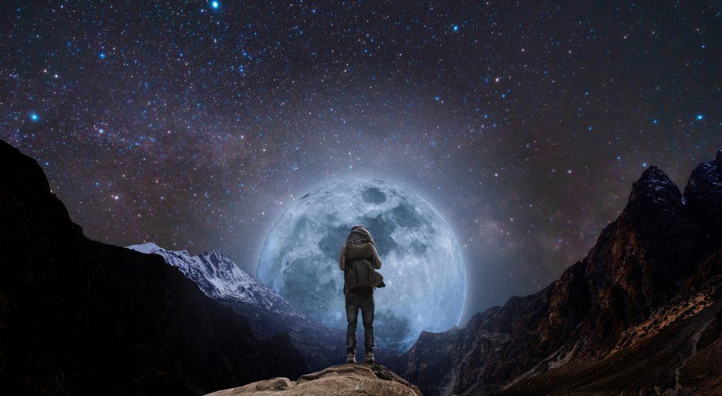 La scoperta della Luna e la sfida eterna dell'uomo con l'ignoto