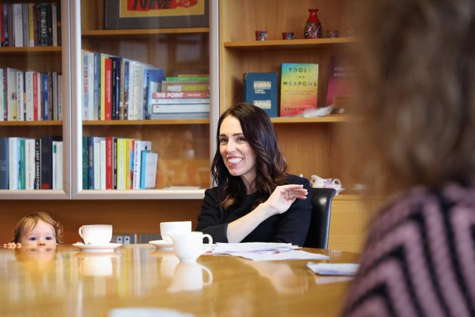 La forza di Jacinda Ardern, premier neozelandese, è essere sé stessa