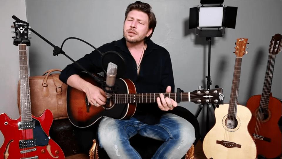 Note d'Italia – Sardegna: Daniele Stefani canta No potho reposare dei Tazenda