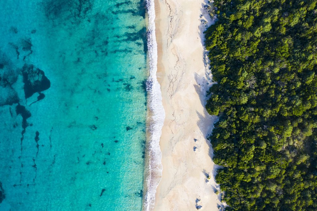 5 spiagge italiane bellissime e poco affollate da scoprire