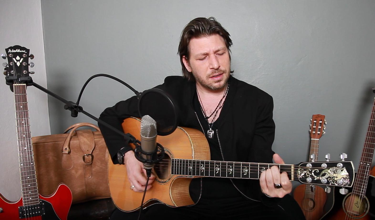 Note d'Italia – Daniele Stefani celebra il rock italiano con la musica di Vasco