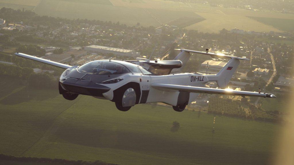 Le auto volanti tra realtà e un po' di fantascienza